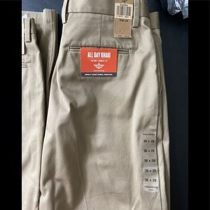 New with tags Dockers  khaki 38